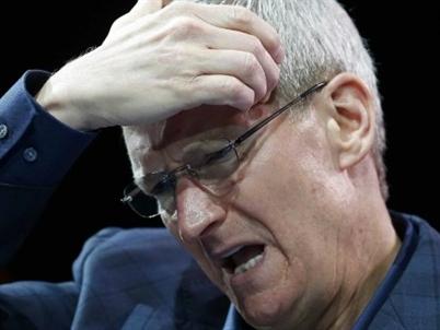 """Nỗi """"đau đầu"""" trị giá 181 tỷ USD của Tim Cook"""