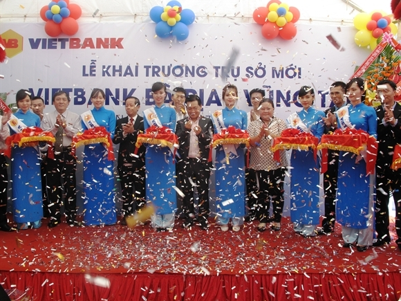 Tưng bừng khai trương VietBank Bà Rịa Vũng Tàu