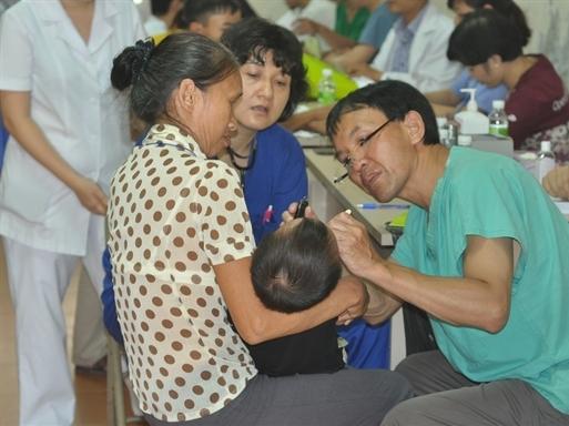 Viet Capital Bank đồng hành cùng Chương trình Phẫu thuật nụ cười