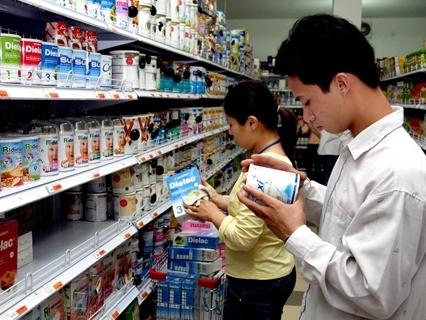 Người tiêu dùng Việt tiếp tục thắt chặt chi tiêu nhất thế giới