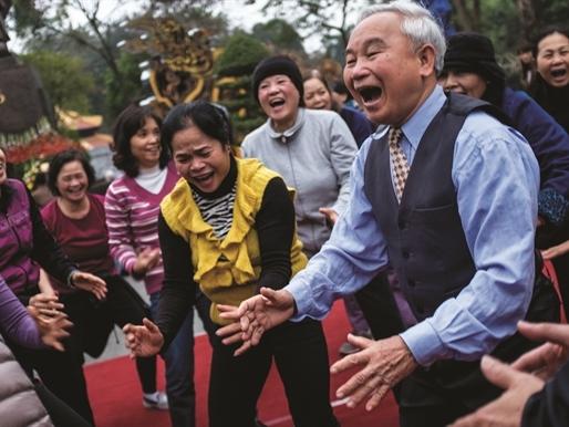 Yoga Cười: Liều thuốc tiềm ẩn trong mọi người
