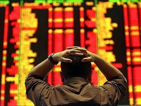 Chứng khoán Trung Quốc tiếp tục sụt giảm 6% trước những lo ngại về NDT