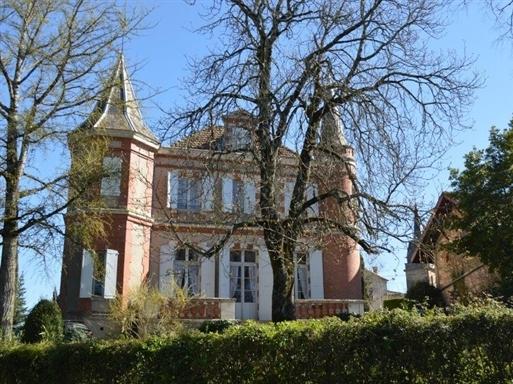 12 tỷ đồng mua được biệt thự nào ở Pháp?