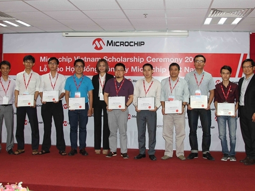 Microchip Technology trao tặng học bổng cho sinh viên