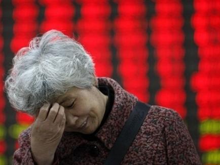 Chứng khoán Trung Quốc giảm tiếp 2,5% bất chấp tuyên bố của PBOC