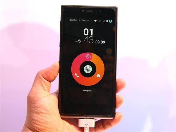 Bộ đôi điện thoại đầu tay của Obi Worldphone ra mắt tại Việt Nam