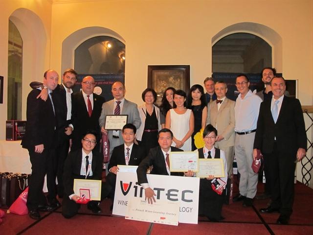 Cuộc thi chung kết Người Phục vụ Rượu Vang Pháp giỏi nhất Việt Nam năm 2015