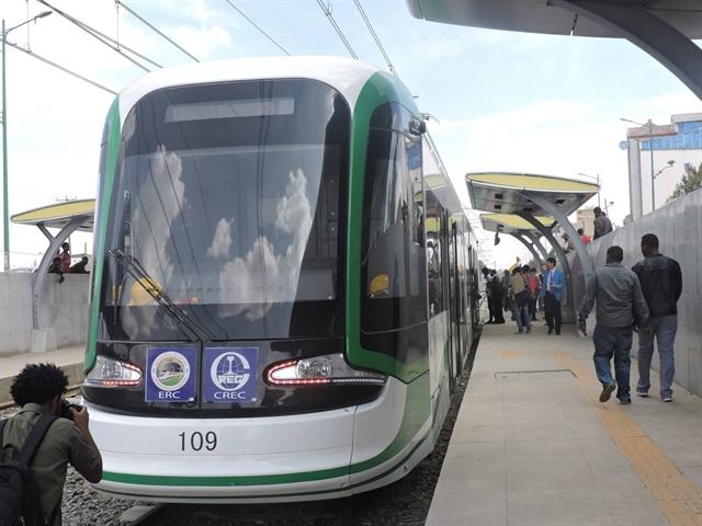 Ethiopia có đường sắt đô thị: Rẻ bằng 1/3 Cát Linh - Hà Đông?