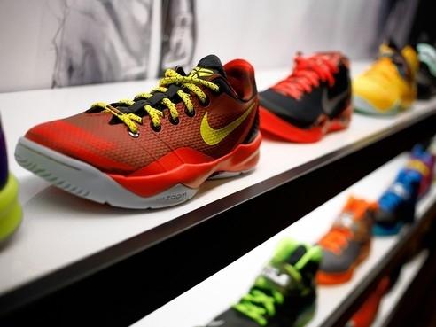 Giá trị vốn hóa của Nike lần đầu vượt 100 tỷ USD