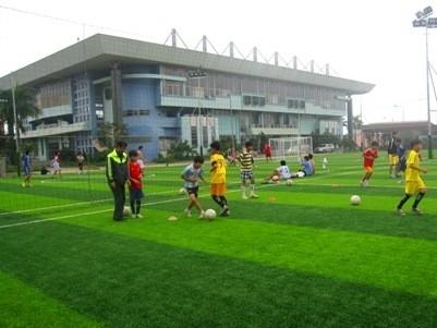 Dưới sân bóng đá Tao Đàn sẽ có bãi xe ngầm