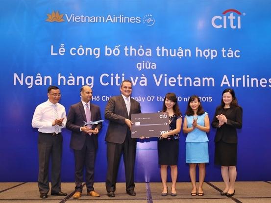 Citi Việt Nam công bố hợp tác với Vietnam Airlines