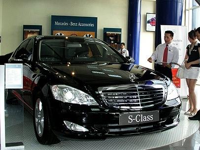 Doanh số bán ô tô tăng 53%