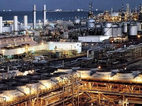 Giá dầu rớt mạnh do sản lượng OPEC tăng
