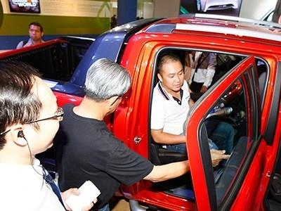 Người giàu Việt rủ nhau mua xe sang 'né' thuế