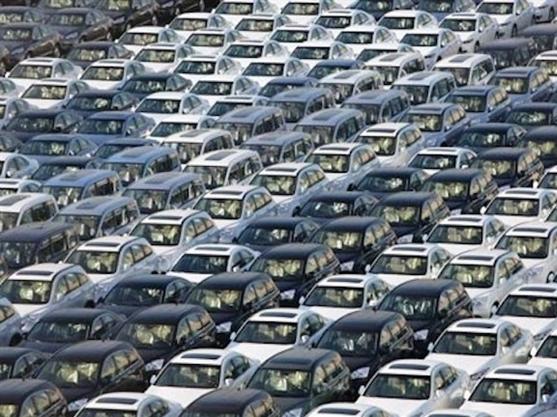 Doanh số bán ô tô 10 tháng vượt xa cả năm 2014
