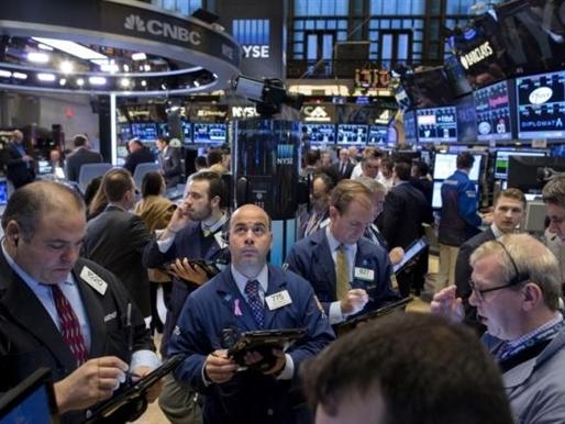 Phố Wall tăng điểm nhờ cổ phiếu hàng tiêu dùng không thiết yếu