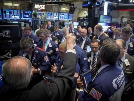 Phố Wall mất điểm vì cổ phiếu năng lượng, y tế