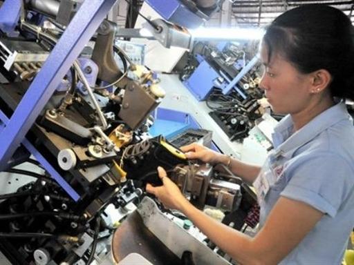 Hãng gia công hàng đầu cho Nike và Adidas chuyển nhà máy qua Việt Nam