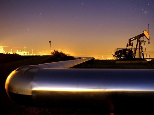 Arab Saudi tuyên bố sẵn sàng hợp tác để ổn định thị trường dầu