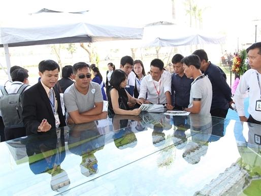 Hơn 500 khách hàng tham dự lễ mở bán dự án Melosa Garden của Khang Điền
