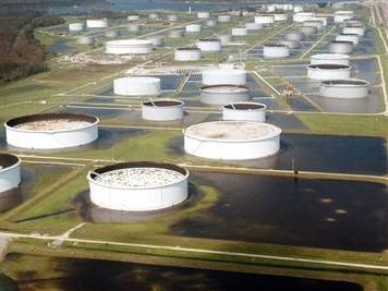 Giá dầu Mỹ xuống dưới 37 USD/thùng lần đầu tiên kể từ 2009