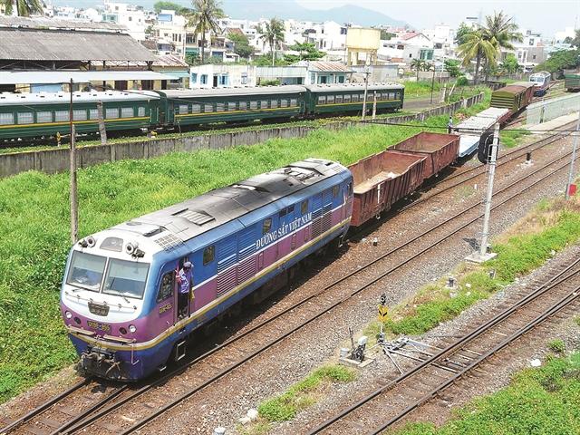 2 câu chuyện ngược chiều về IPO ngành đường sắt