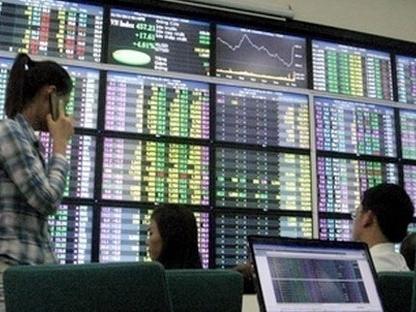 Market Vectors bất ngờ giảm tỷ trọng KDC từ 5% xuống 3,17%