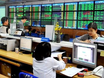 Công ty chứng khoán: Lực cầu bắt đáy kéo thị trường hồi phục các phiên đầu tuần
