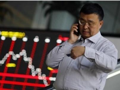 Giảm 7%, chứng khoán Trung Quốc tạm ngừng giao dịch