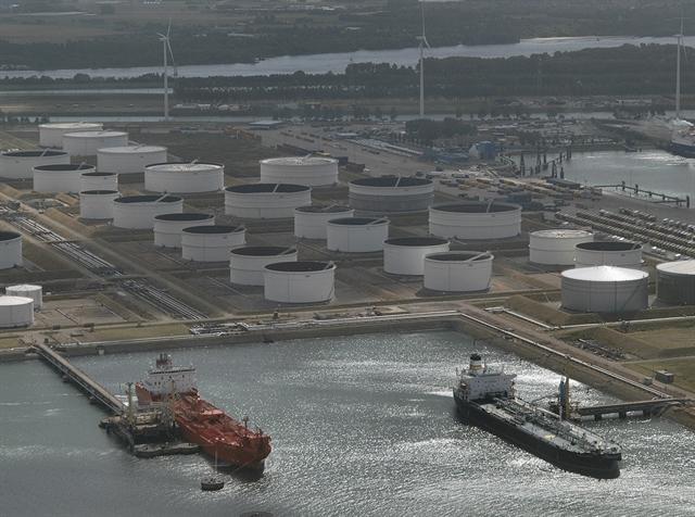 Nga tăng bán dầu cho châu Á, cạnh tranh quyết liệt với OPEC