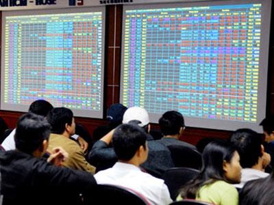 Phạt một cá nhân 705 triệu đồng vì thao túng giá cổ phiếu
