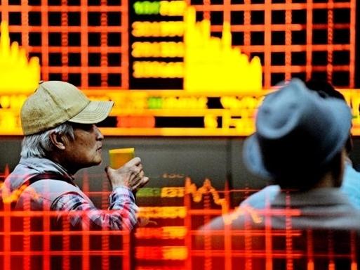 Chứng khoán Trung Quốc chính thức rơi vào thị trường giá xuống
