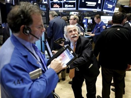 Chứng khoán Mỹ lao dốc do giá dầu giảm và lo ngại kinh tế Trung Quốc