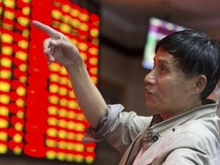 Chứng khoán Trung Quốc xuống thấp nhất 13 năm do lo ngại dòng vốn tháo chạy