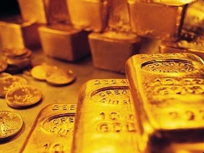 Giá vàng rơi khỏi đỉnh 12 tuần do chốt lời