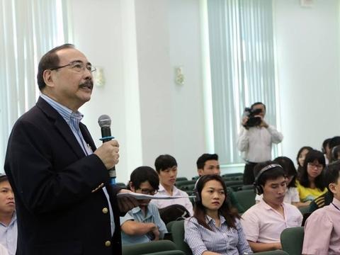 Việt Nam không nên sản xuất gạo thơm cao cấp