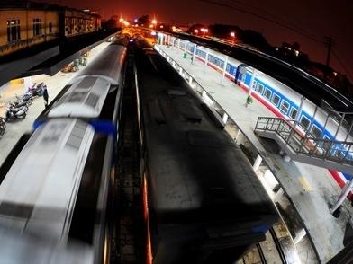 Ngành đường sắt muốn nhập hàng trăm toa xe cũ từ Trung Quốc