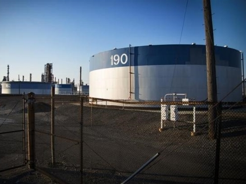 Giá dầu Mỹ lại rơi xuống dưới 30 USD/thùng