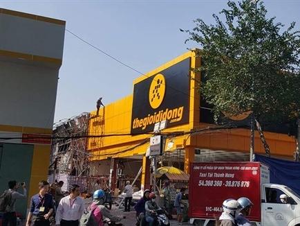 Sau thiệt hại 10 tỷ, Thế giới Di động tuyên bố khai trương lại cửa hàng bị cháy