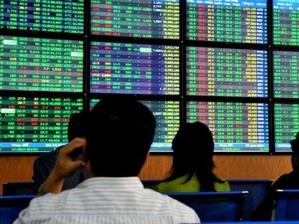 Hai cá nhân bị phạt hơn 1 tỷ đồng vì thao túng giá cổ phiếu