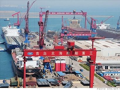 Xuất khẩu Trung Quốc tháng 1 giảm mạnh khi thặng dư thương mại tăng kỷ lục
