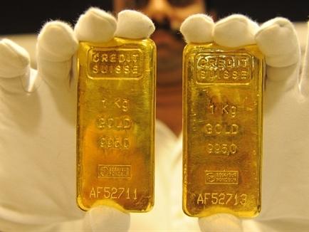 Giá vàng tăng trở lại khi nhu cầu tài sản trú ẩn lên cao