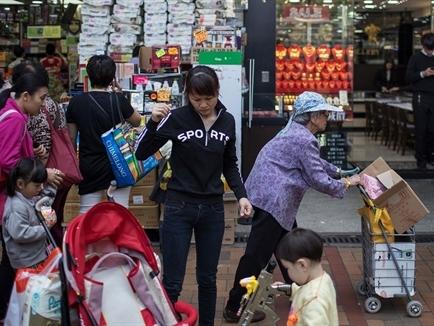 Trung Quốc cải tổ thuế thu nhập nhằm thúc đẩy tiêu dùng