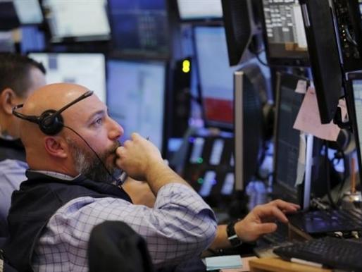 S&P 500 vào vùng tích cực lần đầu tiên trong năm 2016