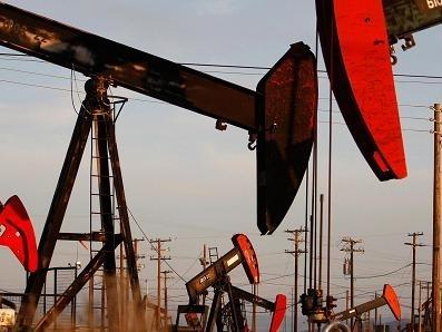 Giá dầu lại giảm do số giàn khoan của Mỹ tăng