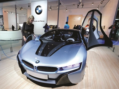 BMW đặt cược vào xe điện