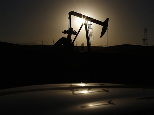 Giá dầu Brent lên cao nhất hơn 3 tháng