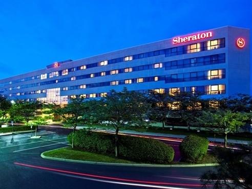 Doanh nhân Trung Quốc và tham vọng thâu tóm hàng loạt khách sạn hàng đầu