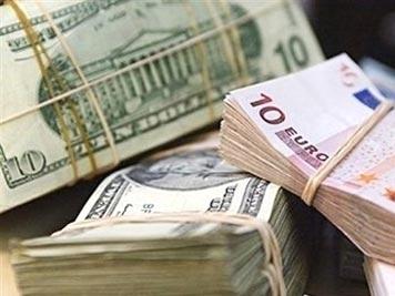 USD xuống thấp nhất 7 tuần so với euro sau bình luận của Chủ tịch Fed
