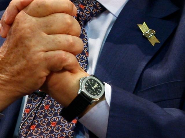 Những ông trùm Phố Wall đeo loại đồng hồ nào?